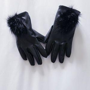 Other - Toddler leather pompom gloves